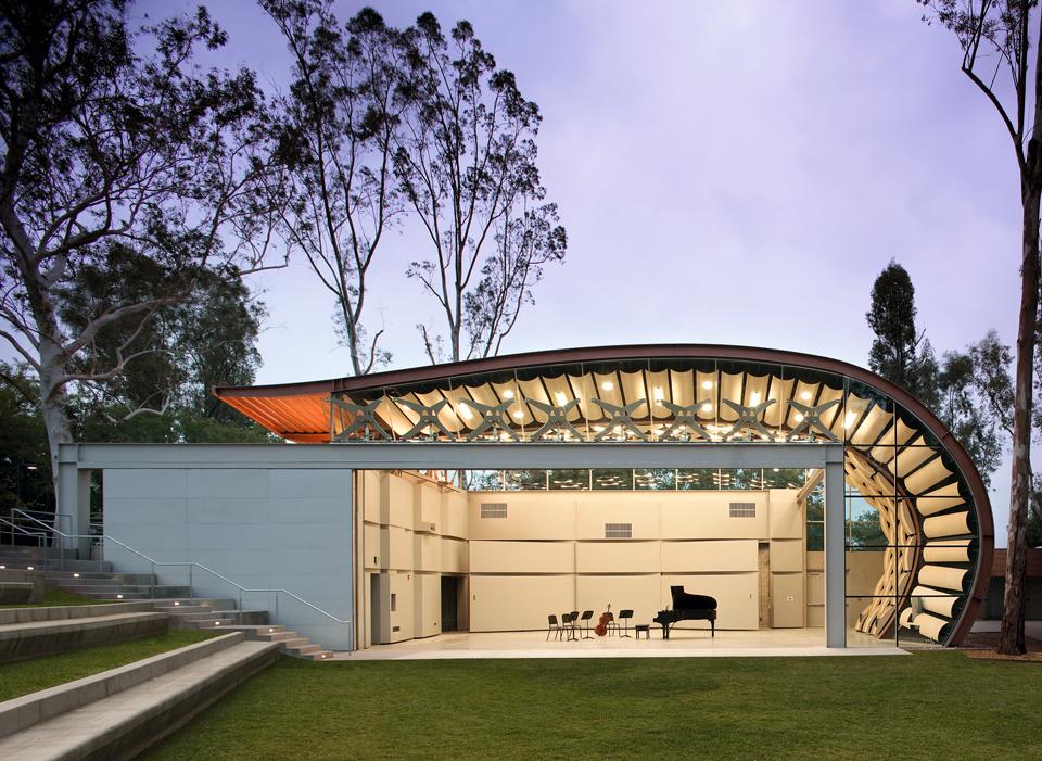 Best fashion design institutes in the world 65
