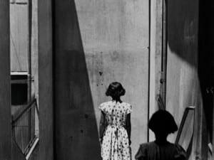 Sergio Larrain, Passage Bavestrello, Valparaiso, Chili, 1952.  © Sergio Larrain/Magnum Photos.