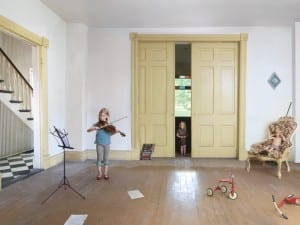 Julie Blackmon, Concert, 2010. © Julie Blackmon.