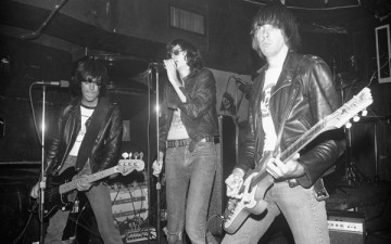 JPEG9--The-Ramones-at-CBGB'