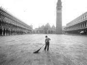 Venice, Piazza San Marco, 1989. Gianni Berengo Gardin – courtesy Fondazione Forma.