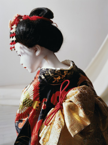 Laurie Simmons, The Love Doll Day 31 (Geisha Close-Up), 2011, Fuji Matte Print, 101.6x76.2cm (40x30inches), Copyright the Artist. Courtesy Wilkinson Gallery, London