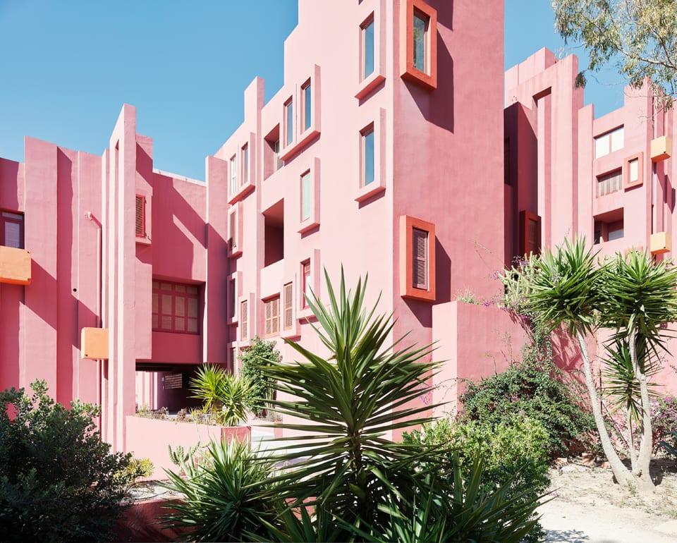 warna pink la muralla roja spanyol image